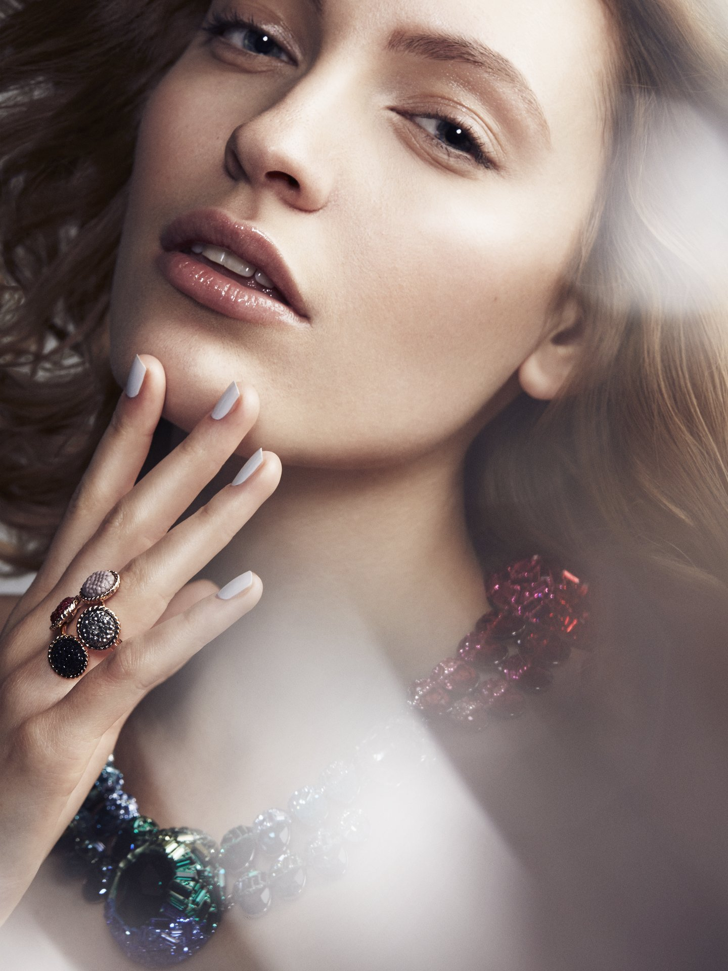Hair, Makeup & Manicure: Melanie Volkart Photographer: Charles-Elie Lathion Model: Lena Linzing