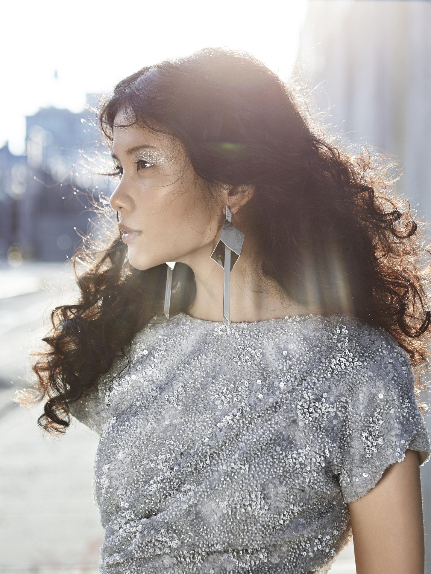 Photographer: Charles-Elie Lathion  Hair, Makeup & Manicure: Melanie Volkart Model: Hua